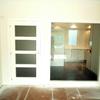 Pintar puertas de madera lacadas en blanco.