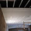 Instalación falso techo continuo en cuarto de baño