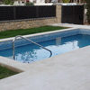 Una piscina es 105