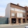 Arreglar tejado, cornisas y chimenea edificio de 4 viviendas en dos alturas