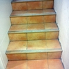 Pulir y barnizar escalera y barandilla de madera