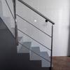 escalera de cristal con estructura de acero