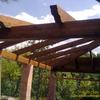 Montaje de Estructura de Madera sobre Construccion de Ladrillos