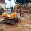 Excavación para llanar terreno y zanja para acometida