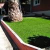 Instalar cesped artificial sobre tierra, hay que limpiar de hierba y nivelar terreno.