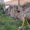 Levantar muro parcela en obra