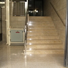 Montar elevador o salvaescaleras en el portal