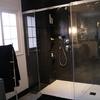 Humedad en paredes de microcemento en zona ducha