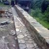 Realizar balaustre de piedra y acera de plaqueta