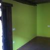 Pintura interior pequeño apartamento en casa antigua