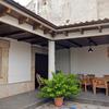 Demolición y construcción de chiscón en patio interior de vivienda adosada