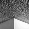 Proyectar material aislante en techos y paredes