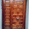 Poner manetas en puertas reparar arañazos y barnizar