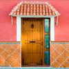 Ajustar (levantar) puerta de acceso a la vivienda