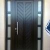 Lacar/barnizar puerta de entrada (con fijos laterales) y ventanas de baño pequeñas de teca