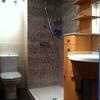 Reformar baño y cocina por completo, colocar suelo en el piso etc.