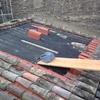 Rehabilitar cornisa y pesebrones de tejado de un edificio de cuatro palntas