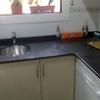 Limpiar mancha en un techo de granito y pintar una cocina
