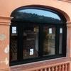 Cambiar 2 ventanas exteriores de madera por aluminio blanco + sus persinas en manual