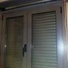 Instalar balconera de PVC blanco con persiana motorizada