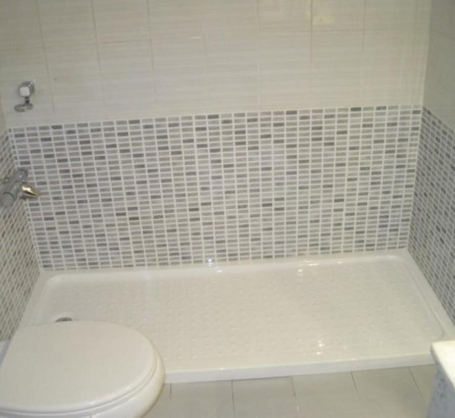 Decoracion mueble sofa cambiar banera por plato ducha sin for Cambiar banera por ducha