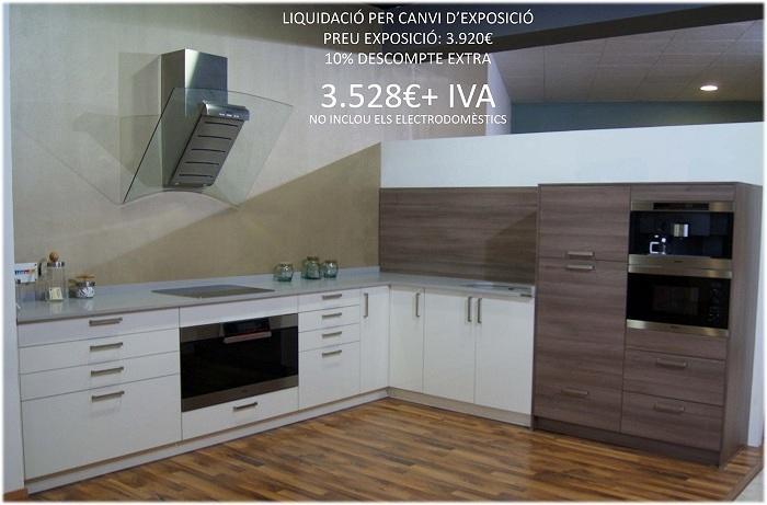 Liquidaci n muebles de cocina por cambio de exposici n for Exposicion de muebles de cocina
