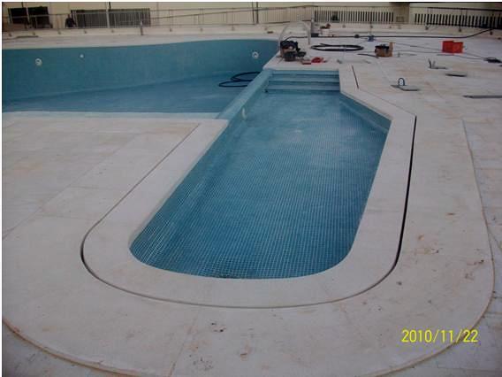 Oferta piscina desbordante de hormig n gunitado por for Ofertas piscinas de hormigon