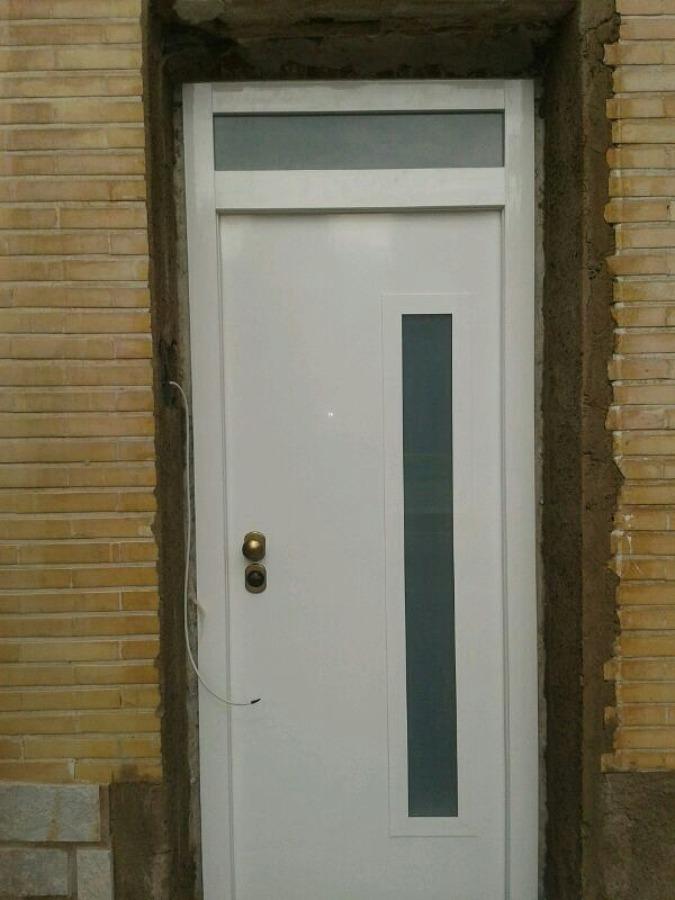 Oferta puertas de seguridad acorazada iva for Puerta aluminio blanco