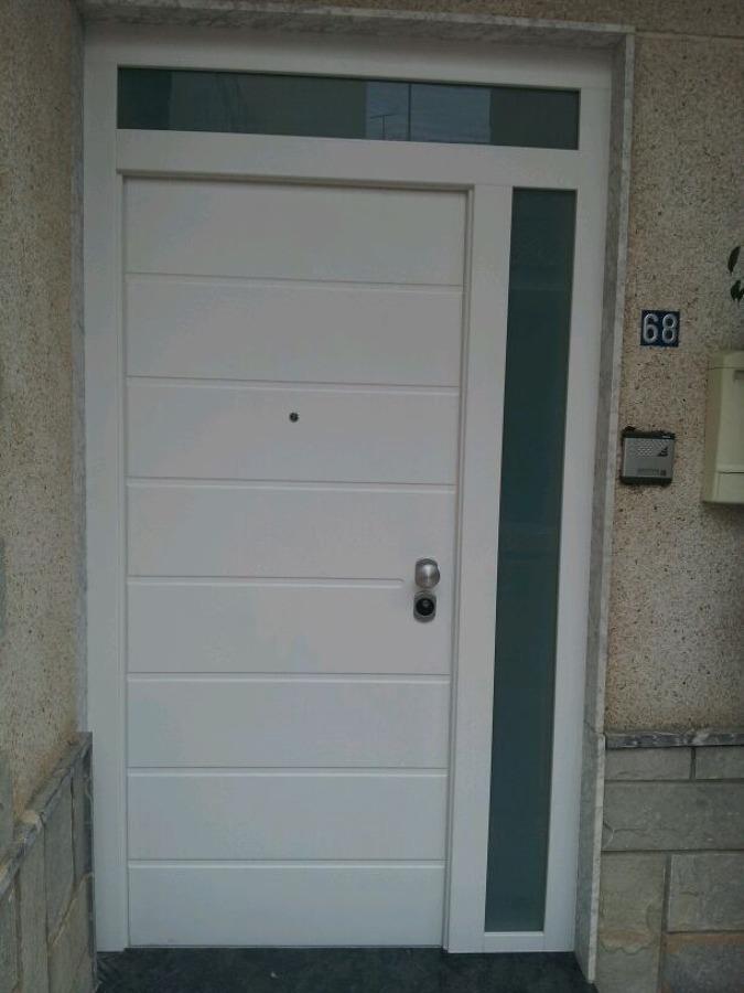 Puertas exteriores pvc amazing puertas de madera - Puertas de exterior de pvc ...