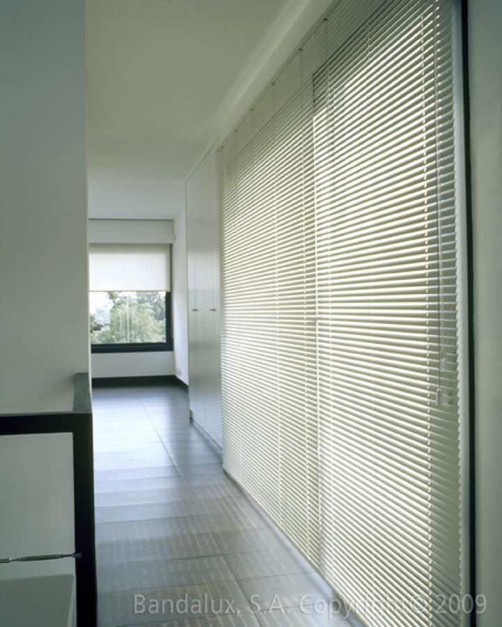 20 descuento en cortinas estores y toldos ofertas for Precios cortinas bandalux
