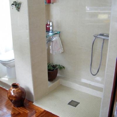 Oferta cambiar ba era por plato de ducha a ras de suelo for Platos de ducha a ras de suelo