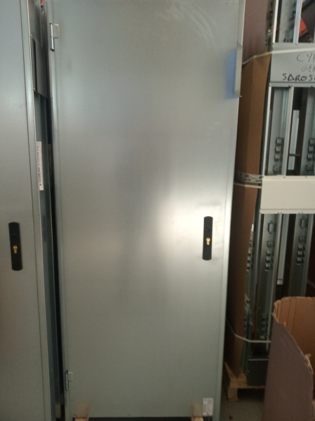 Oferta puerta ensamblada con rejilla