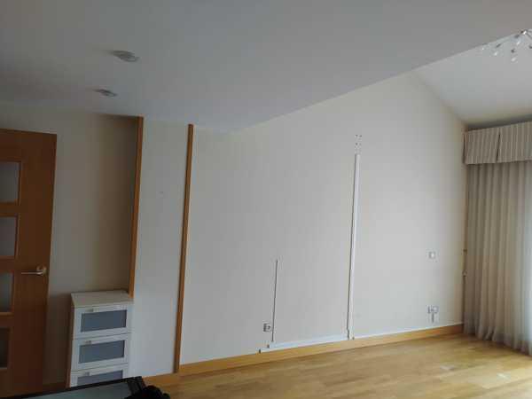 Pintura de piso en blanco