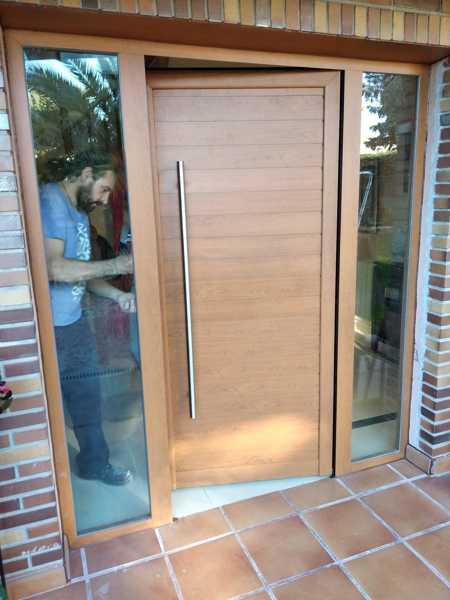 puerta de aluminio madera