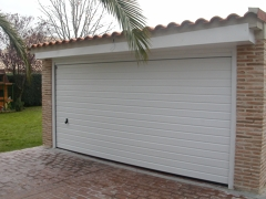 Puerta seccional automática desde 980 Euros