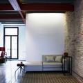 Salón con sofá beige