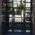 Puerta batiente de aluminio