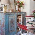 mueble decapado azul