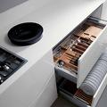 mueble con accesorio para vajillas