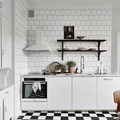 cocina con baldosas en blanco