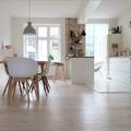 Apartamento minimalista en blanco