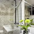 Baño Completo de Estilo Contemporáneo (Madrid)