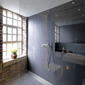 baño con ducha abierta