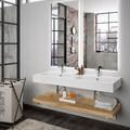 Baño con lavabo doble y pared de ladrillo