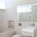 baño con revestimiento ecológico