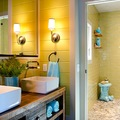 baño rústico mid century