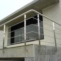 Baranda de acero inoxidable en balcón