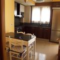 Cocina comedor diáfana del piso diseñado para alquiler en Villanueva de Gállego