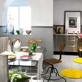 Cocina con elementos de colores