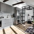 Cocina con mobiliario en gris